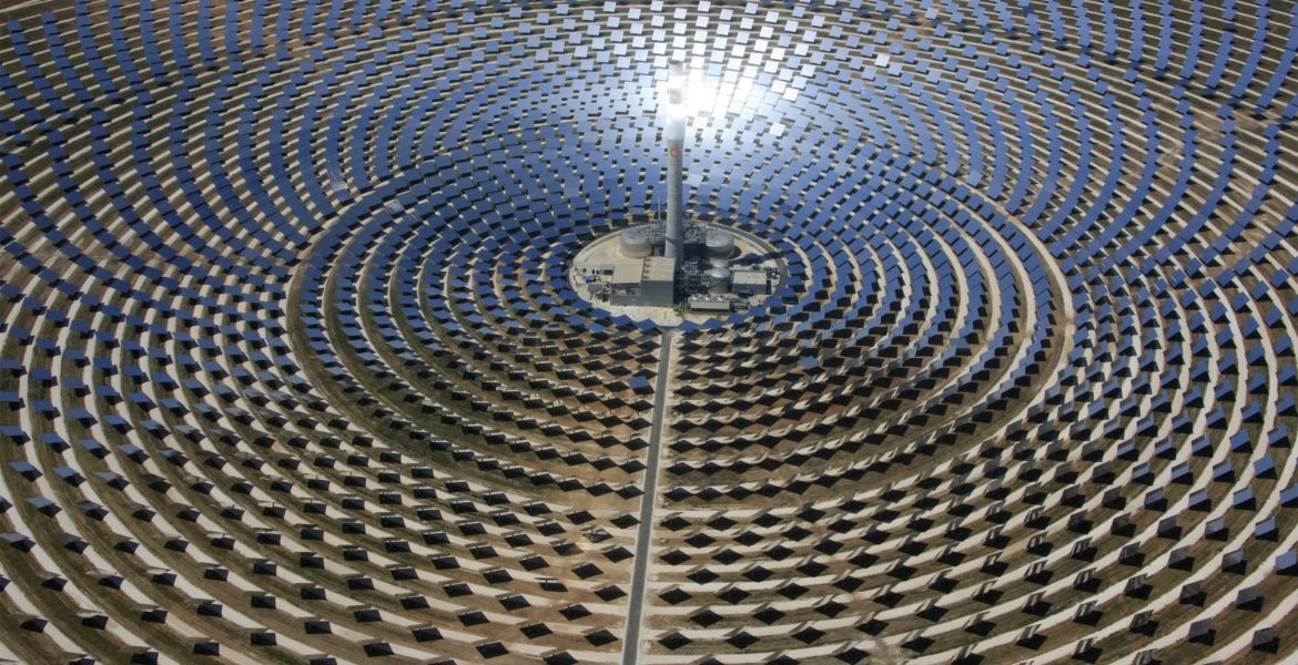 China e Estados Unidos disparam no crescimento solar mundial.